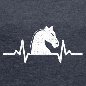 My heart beats for chess - Women's T-shirt with rolled up sleeves