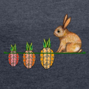 Happy Easter bunny with Ostermöhrchen - Women's T-shirt with rolled up sleeves