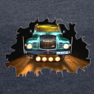 Truck Classic - Classic Truck - Women's T-shirt with rolled up sleeves