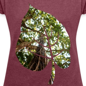 Leaf in tropical forest - Women's T-shirt with rolled up sleeves