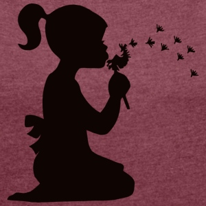 Small affectionate girl blowing dandelion - Women's T-shirt with rolled up sleeves