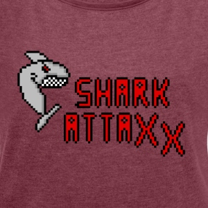 pixel Shark - Women's T-shirt with rolled up sleeves