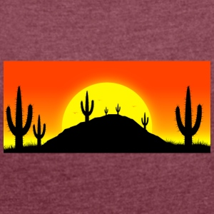Cactuses in the desert - Women's T-shirt with rolled up sleeves