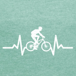 My heart beats for cycling - Women's T-shirt with rolled up sleeves