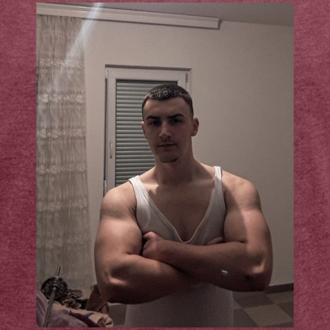 Bodybuilding muscle guy
