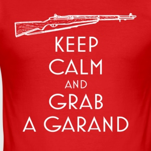 Keep Calm and Grab a Garand T-Shirt preppers - Tee shirt près du corps Homme