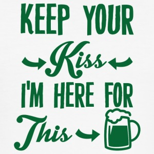 Ireland / St. Patricks Day: Hold Kiss. jeg er - Slim Fit T-skjorte for menn