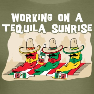 Arbeider på en Tequila Sunrise - Slim Fit T-skjorte for menn