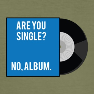 Single: Er du singel? Nei, album. - Slim Fit T-skjorte for menn