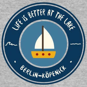 LIFE IS BETTER AT THE LAKE | Köpenick - Männer Slim Fit T-Shirt