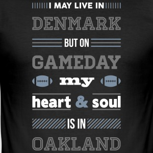 I may live in Denmark... (Oakland edition) - Herre Slim Fit T-Shirt
