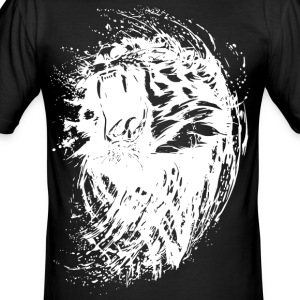 lion roars - Men's Slim Fit T-Shirt