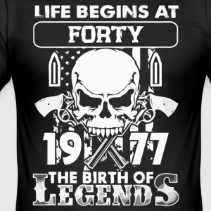 1977 the birth of the Legends shirt - Men's Slim Fit T-Shirt