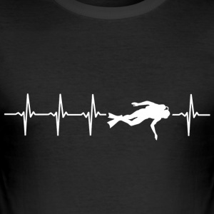 I love diving (diving heartbeat) - Men's Slim Fit T-Shirt