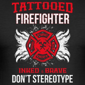 Tattooed firefighter no stereotype - Men's Slim Fit T-Shirt