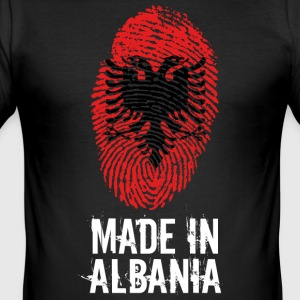 Made in Albania / Gemacht in Albanien - Männer Slim Fit T-Shirt