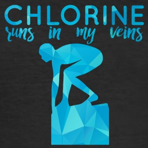 Swimming / Swimmer: Chlorine runs in my veins - Men's Slim Fit T-Shirt