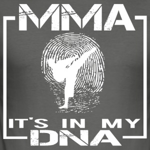 MMA het is in mijn DNA - slim fit T-shirt