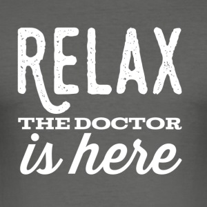 Relax Doctor Ontwerp - slim fit T-shirt