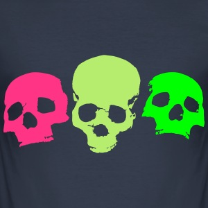 skulls-on-parade - Männer Slim Fit T-Shirt