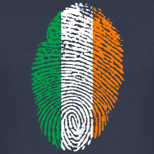 IN LOVE WITH IRLAND - Männer Slim Fit T-Shirt