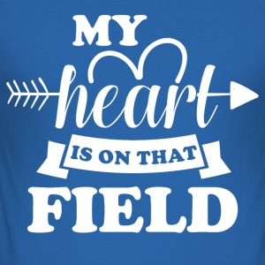 My heart is on the field - Men's Slim Fit T-Shirt