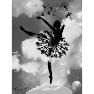 ballerina con gonna a soffione sulle nuvole