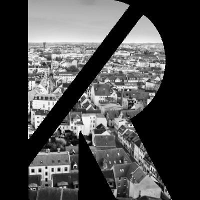 R Rostocker Altstadt - Das Rostocker R eingefasst in einem Hintergrund der historischen Altstadt Rostocks. - Rostock,Luftbild,Kunst,Historisch,Design,Altstadt