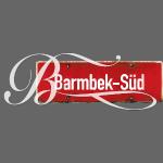 Barmbek-Süd: Ortsschild mit Tattoo-Initial