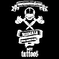 Unterschätze niemals einen alten Mann Tattoos