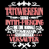 Tätowiererin mit Intim Piercing versaut T-shirt