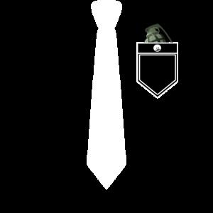 Hemd und Anzug mit Krawatte und fetter Handgranate