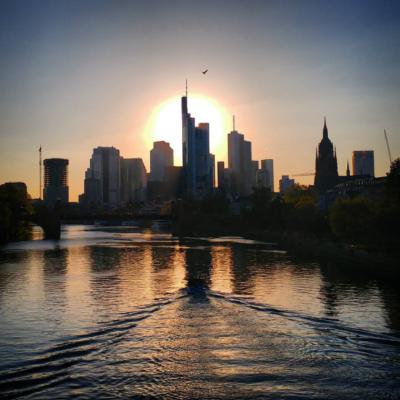Frankfurt - Sonnenuntergang in Frankfurt am Main - skyline frankfurt,ffm,skyline,Frankfurt am Main,Stadt,city,Sonnenuntergang,Deutschland,Bank,Frankfurt