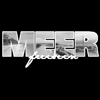MEER - ..freisein - künstlerdorf,dierhagen,rügen,thegrandahrenshoop,naturecontest,ostsee,geweihbaer,geweihbär,ahrenshoop,liebe ist cool,kunstkate,the grand ahrenshoop,stralsund,meerfischland,bunte stube,dünen,fischland,darß,elin,art,meer fischland,Meer,rostok