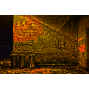 Nächtliche Wand am alten Bahnhof