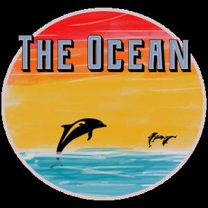 Ozean mit Sonnenuntergang und Delfinen