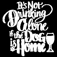 Mit Hundehemd trinken