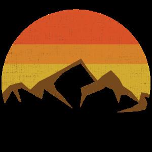 Schneebedeckte Berge im Sonnenuntergang Shirt