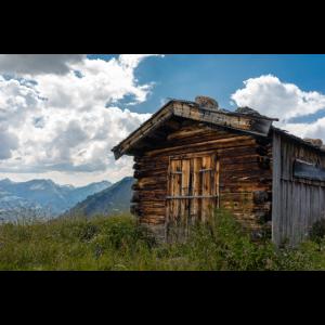 Alm in den Bergen bei Tirol