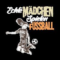 Echte Maedchen spielen Fussball Sprung