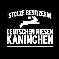 Stolze Besitzerin von Deutschen Riesen Kaninchen