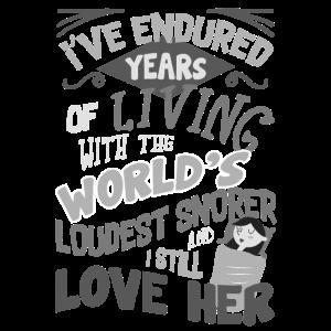 Lustiges Ehepaar ertrug Jahre des lautesten