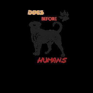 Hunde vor Menschen