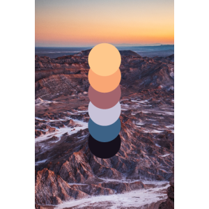Bergkette im Sonnenuntergang
