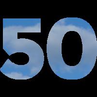 Die Zahl 50 Geburtstag mit Himmel und Wolken