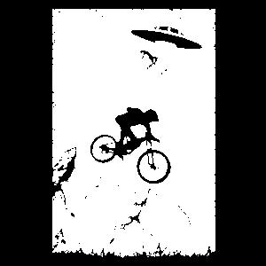 Biker vs Alien