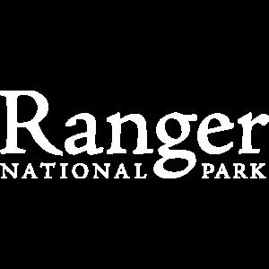 Ranger im Nationalpark Biologe Wildhüter GRÜN