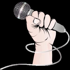 Eine Hand eines Sängers hält ein Gesangs Mikrofon