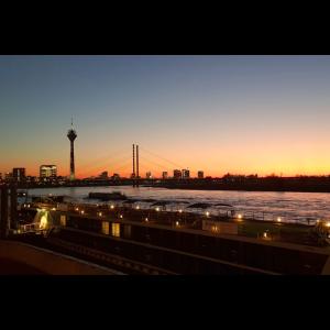 Lichter, Sonnenuntergang,Rhein, Düsseldorf,skyline