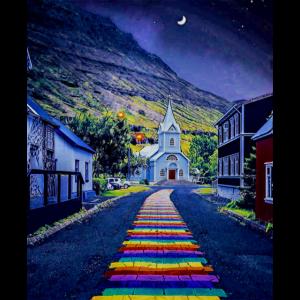 Regenbogenweg in Seydisfjordur, Island